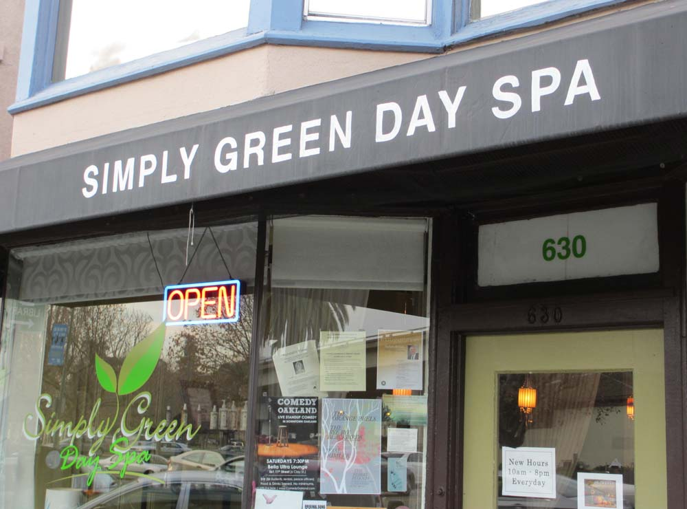 Sign - Green Day Spa