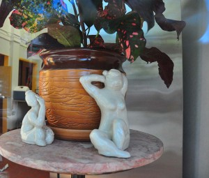 Modigliani Window